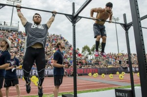 Games2012_TrackTriplet_FroningLeverich_bar muscleup_0