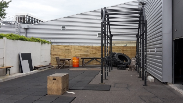 Visite crossfit minimes play fitness for Exterieur gym