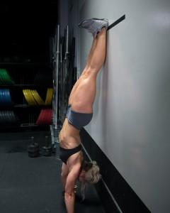 handstand_top_sndEWlL09Df3
